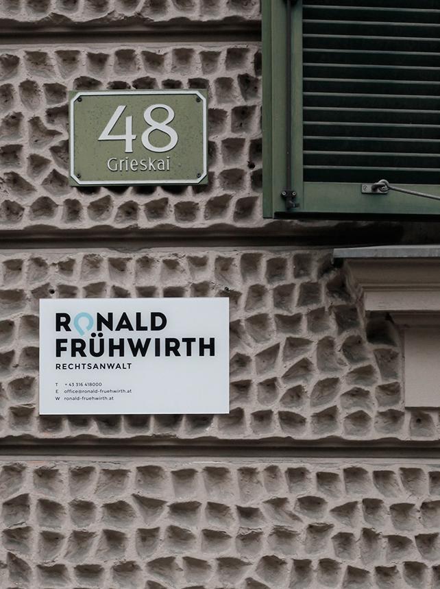 Fruehwirth_firmenschild